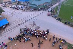 Hiện trường tang thương xe khách đâm đoàn đi đưa tang 7 người chết