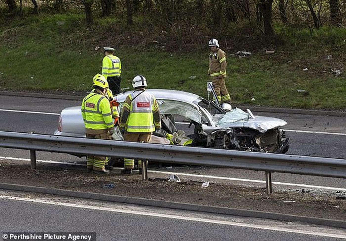 """Chạy xe kiểu """"tự sát"""", người đàn ông gây tai nạn liên hoàn"""