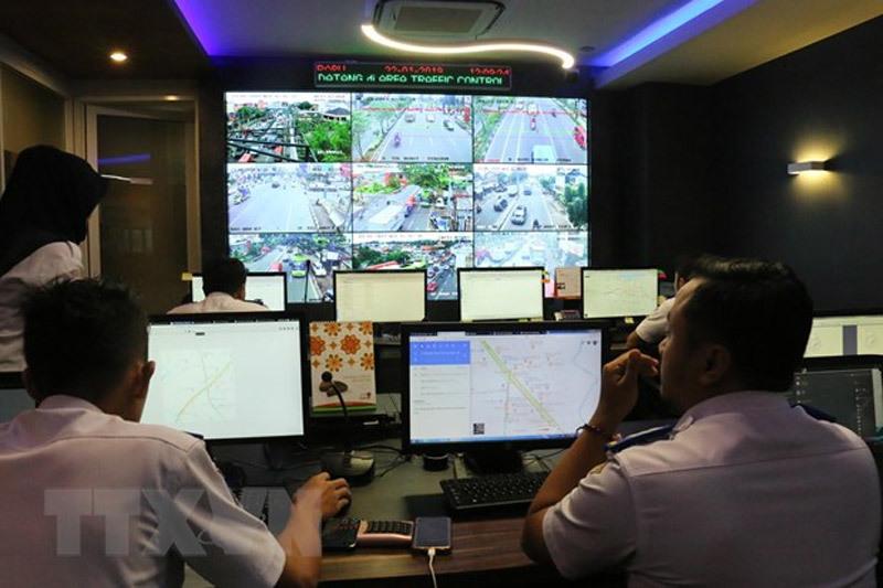 Indonesia,ùn tắc giao thông,giao thông công cộng