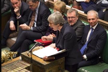 Thủ tướng Anh đề xuất từ chức để cứu thoả thuận Brexit