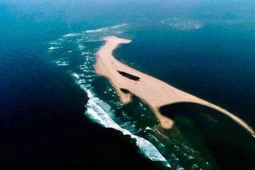 Kỳ lạ đảo cát dài 3.000m nổi giữa biển Hội An