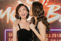 'Chị Mười Ba' Thu Trang mếu máo khi bị Diệu Nhi 'cưỡng hôn'