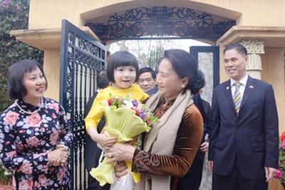Chủ tịch QH gặp mặt cán bộ ĐSQ, cộng đồng người Việt tại Maroc