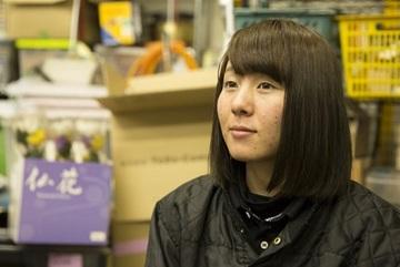 Cô gái trẻ kể chuyện dọn dẹp sau 'những cái chết cô đơn'