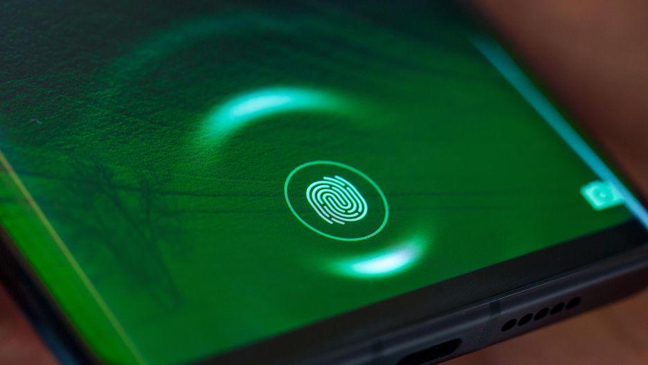 Huawei P30 Pro so găng Galaxy S10 Plus: Cuộc đua của các siêu smartphone