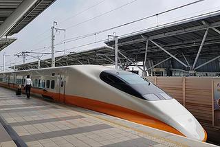 Làm đường sắt tốc độ cao Bắc-Nam 60 tỷ USD, bỏ đường sắt cũ?