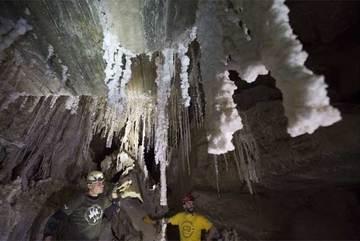 Tìm thấy hang muối dài nhất thế giới