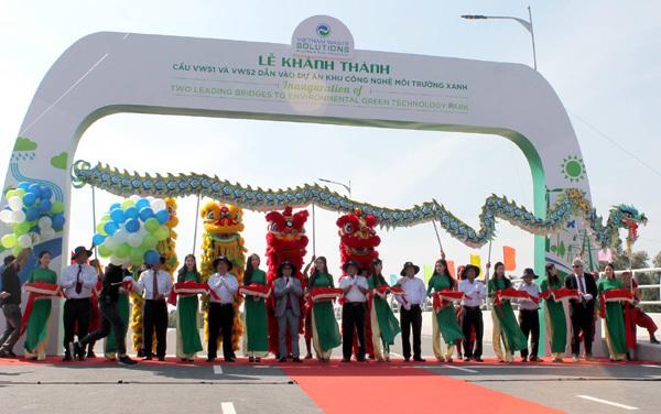 Khánh thành 2 cầu dẫn vào Khu công nghệ Môi trường xanh