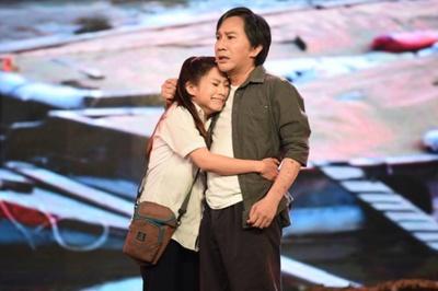 Con nuôi Kim Tử Long được fan tặng xe hơi