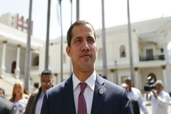 Thủ lĩnh đối lập Venezuela bị cấm giữ chức vụ chính quyền