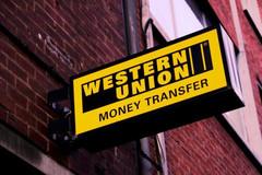 Đại gia Việt chuyển tiền ra nước ngoài thế nào?