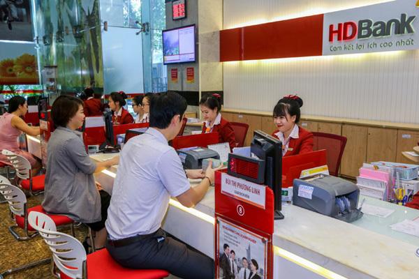 Gửi tiết kiệm HDBank: Tuổi càng cao, ưu đãi càng nhiều