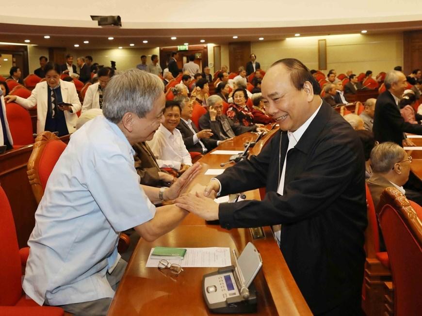 Hình ảnh Tổng bí thư, Chủ tịch nước gặp mặt cán bộ lãnh đạo nghỉ hưu