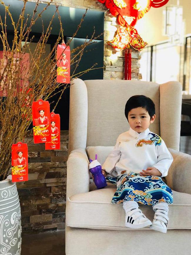 Mới 2 tuổi, con trai Đan Trường đã đầy quần áo hàng hiệu, xứng danh 'Rick Kid'