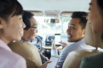 FPT bắt tay Grab phát triển các giải pháp giao thông thông minh