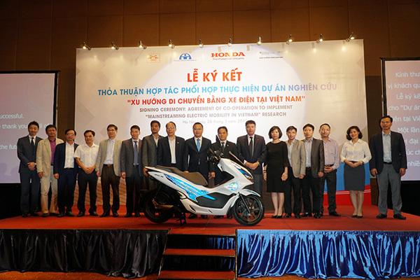 Honda PCX điện được chạy thử nghiệm ở Việt Nam