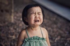 """8 """"căn bệnh"""" dạy con ngược đời của người Việt"""