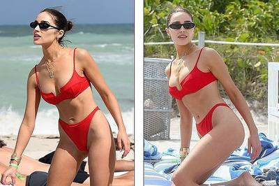 Hoa hậu Hoàn vũ nóng bỏng với bikini trên biển