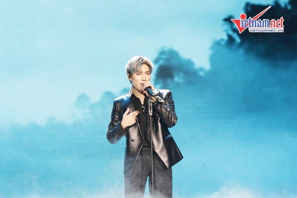 Super Junior rưng rưng trước fan, Chung Ha tiết lộ bạn thân nhất là người Việt