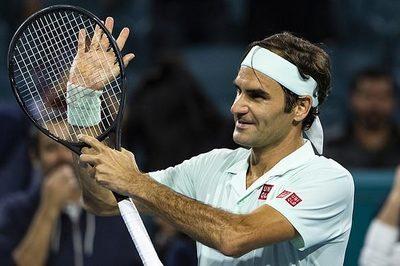 """Federer đụng """"máy giao bóng"""" Isner ở chung kết Miami Open"""