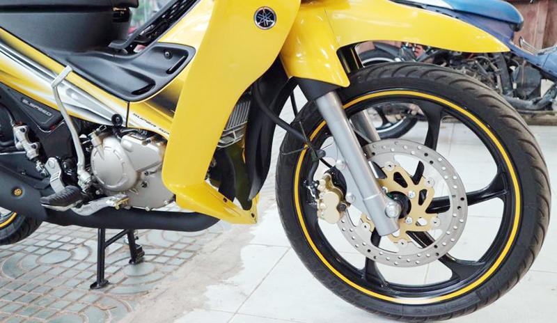 Xôn xao xe máy Yamaha cũ bán giá cao hơn ô tô đời mới