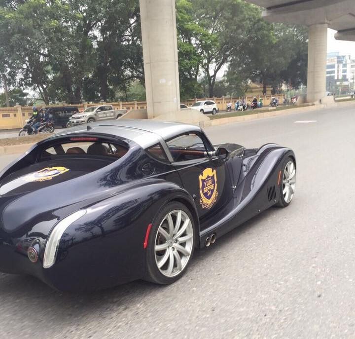 Siêu xe thân gỗ Morgan Aero Supersport 'siêu độc' lăn bánh tại Hà Nội