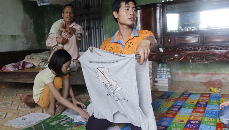 Chú ruột nữ sinh Hưng Yên: 'Tôi không cầm được nước mắt khi xem cháu bị lột quần áo'