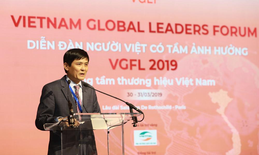 Tỷ phú Hoàng Chúc: Phải biết dùng lợi thế mình là người Việt Nam