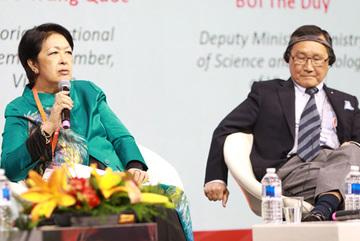'Tham nhũng là thấp hèn' và bí quyết 'không nói chuyện làm quà' của tỷ phú gốc Việt