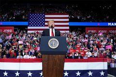 Ông Trump lại có quyết định gây chấn động chính trường Mỹ