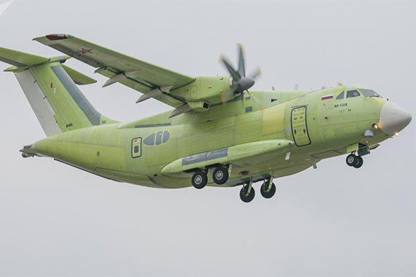 Chiêm ngưỡng vận tải cơ mới của Nga lần đầu tung cánh trên bầu trời