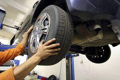 Tại sao phải đảo lốp ô tô?