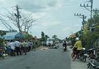 Xe máy đối đầu ô tô khách, Phó chủ tịch hội nông dân chết thảm
