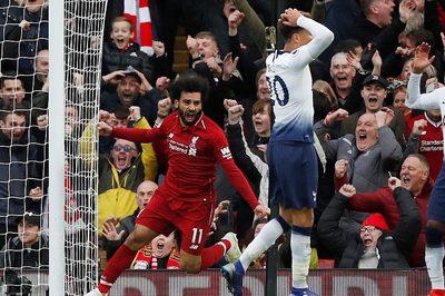 """Liverpool hạ Tottenham nhờ pha """"đốt đền"""" ở phút 90"""