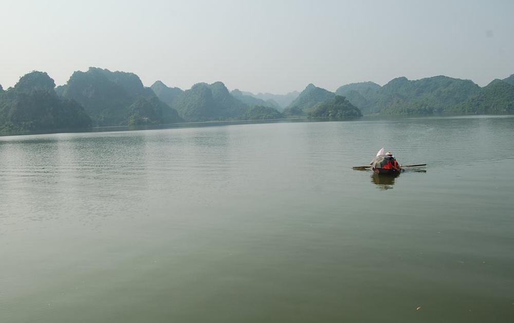Ghé hồ Quan Sơn - 'Hạ Long trên cạn' của Hà Nội