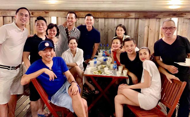 Hà Tăng cùng hội bạn thân nổi tiếng tổ chức sinh nhật hai con