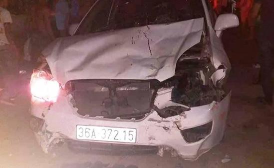 Thanh Hóa: Xe 7 chỗ tông cả loạt xe máy, cô gái tử vong tại chỗ