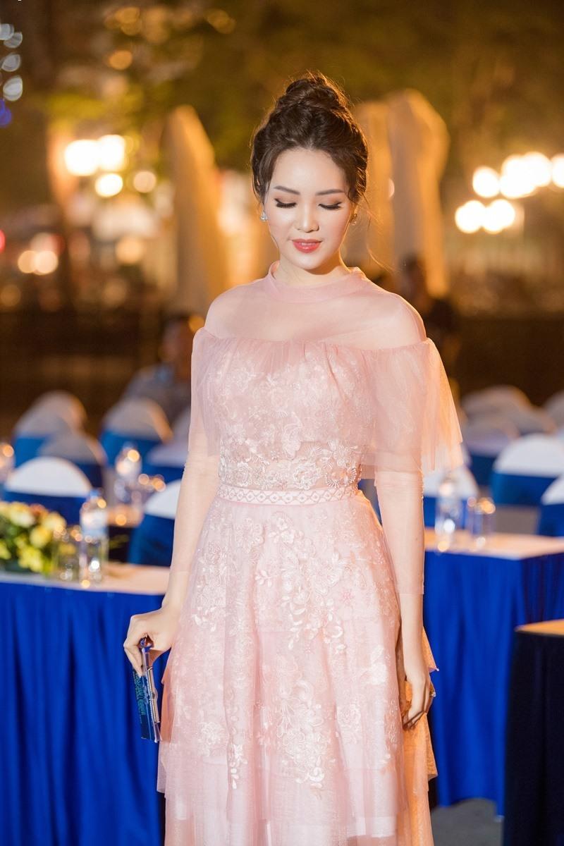 Á hậu Thụy Vân,H'Hen Niê,hoa hậu Việt Nam