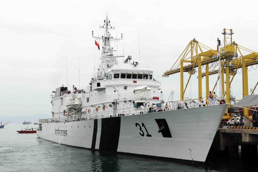 Hình ảnh tàu Lực lượng bảo vệ bờ biển Ấn Độ thăm Đà Nẵng