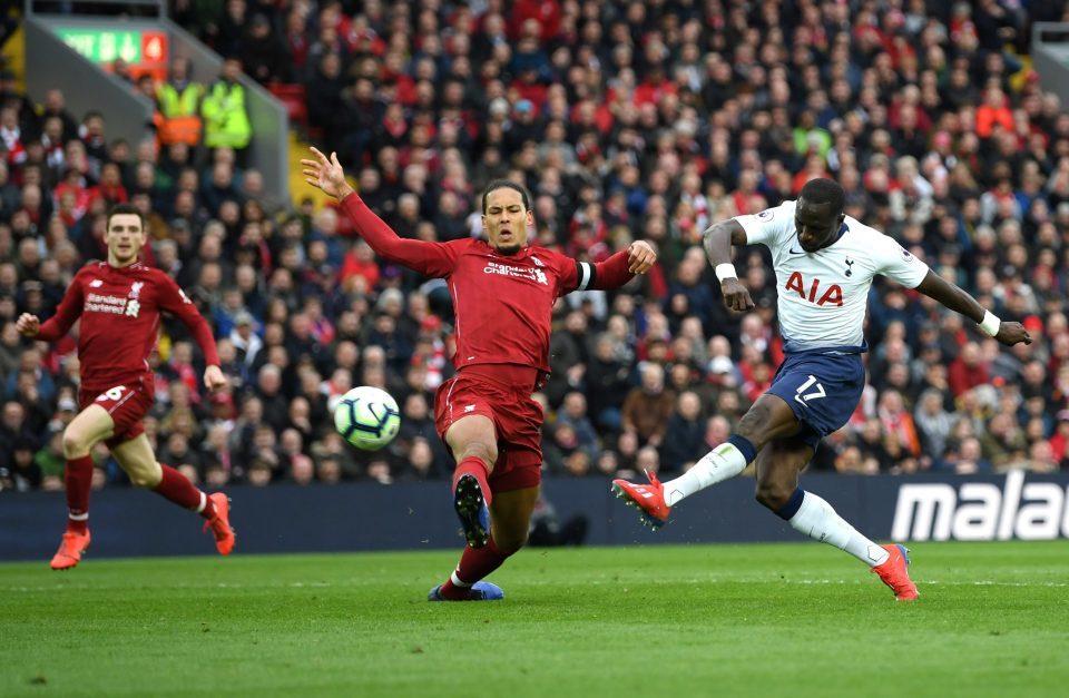 MU gây choáng váng Real, Liverpool lo sốt vó Van Dijk