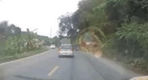 """Lái xe như """"rồng lượn"""" - Đừng hỏi vì sao nhiều tai nạn"""