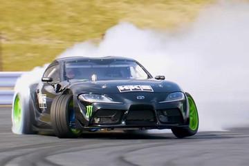 Toyota Supra 2020 bốc cháy khi thực hiện pha drift