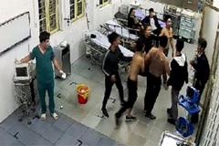 Gã thanh niên Trung Quốc gây náo loạn bệnh viện, đòi chém bác sĩ