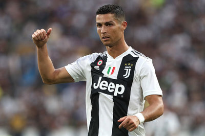 MU phong chức giữ Pogba, Juventus lo Ronaldo hỏng ăn C1