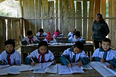 Cục Quản lý giá nói gì về tăng giá sách giáo khoa?