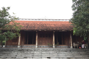 Trầm trồ nhà gỗ bạc tỷ từng bậc nhất miền Bắc