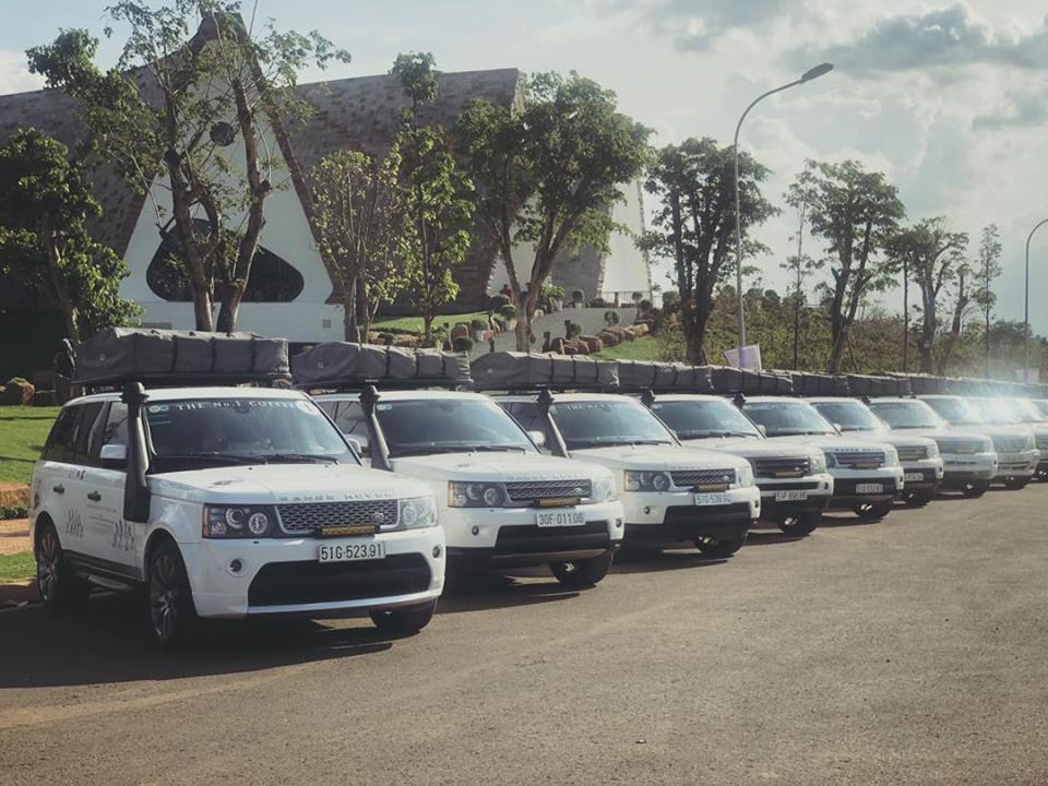 Dàn 12 chiếc Range Rover khủng 'hộ tống' Đặng Lê Nguyên Vũ