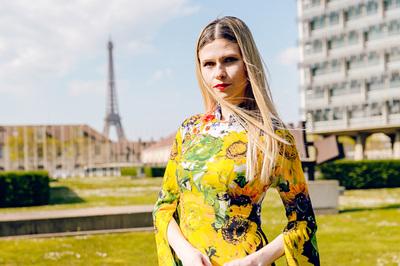 Người mẫu Pháp diện áo dài Việt Nam tại trụ sở UNESCO