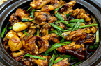 Sài Gòn mưa nhớ món ếch kho tộ bố nấu