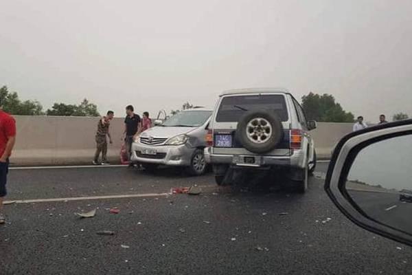 Xe biển xanh gây tai nạn trên cao tốc Hà Nội-Hải Phòng, 1 người bị thương